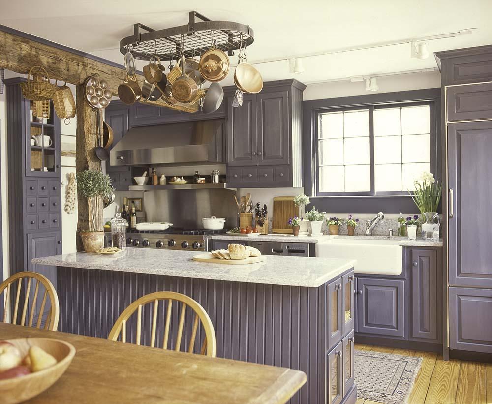 Лиловая кухня в стиле прованс