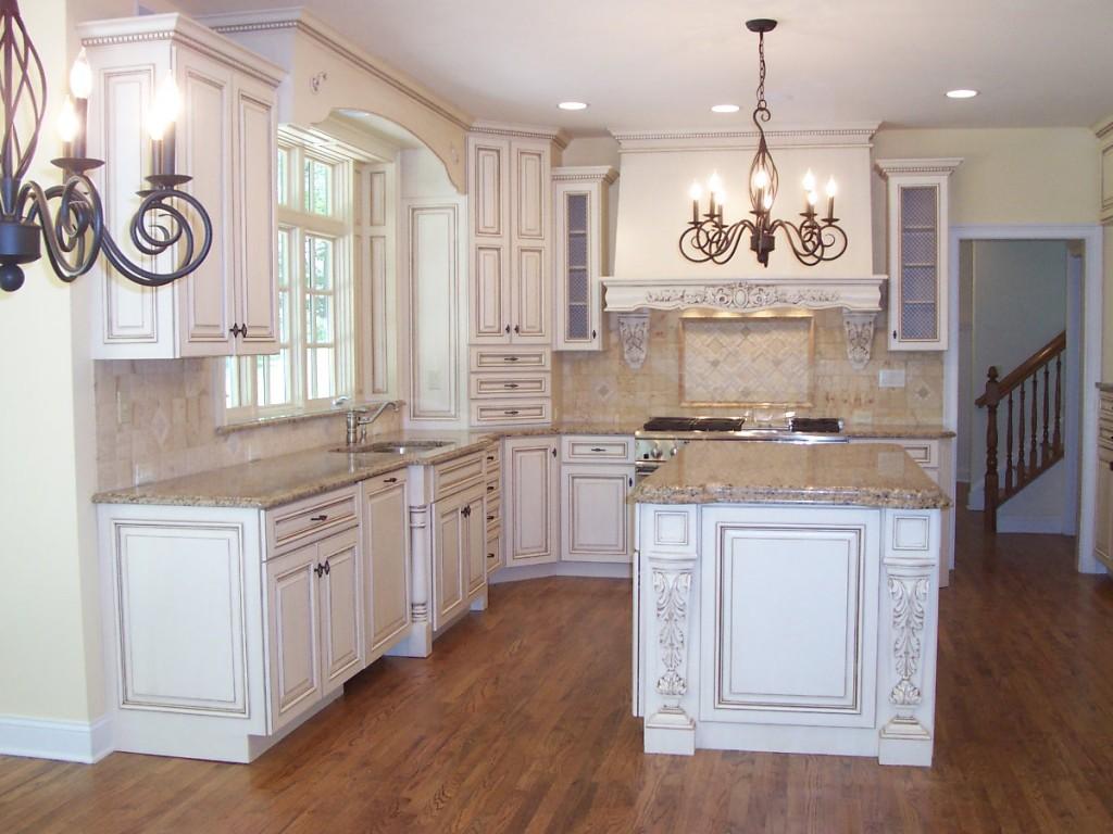 Кованые люстры для кухни в стиле прованс