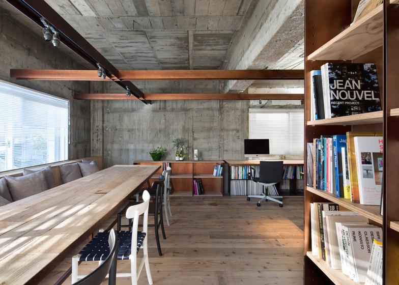 Стиль лофт допускает наличие голых бетонных стен или потолка