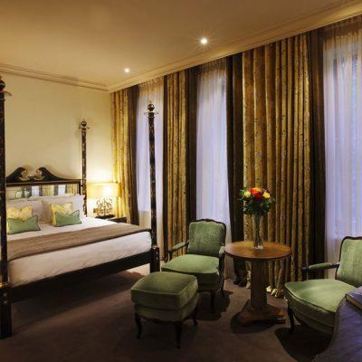 Шикарная спальня в стиле арт-деко