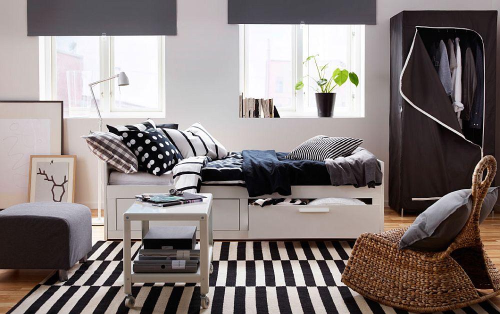 Контрастная гостиная-спальня в скандинавском стиле
