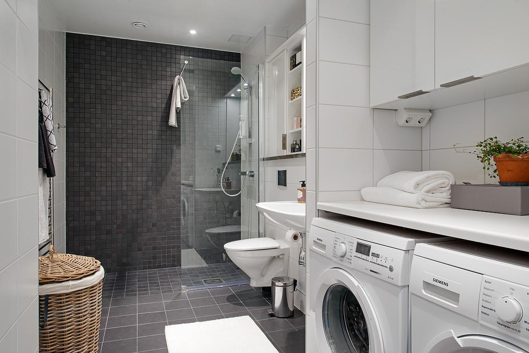 Какой бы ни была мебель для ванной, она обязательно должна быть выполнена из влагостойких материалов