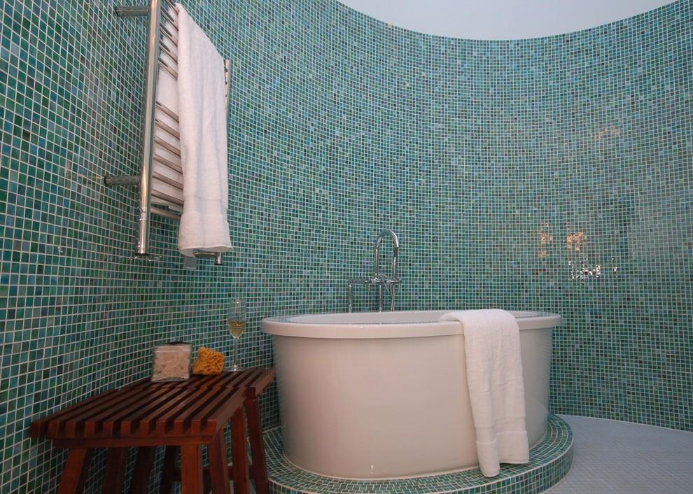 Мозаика - это простой способ создать оригинальную ванную комнату