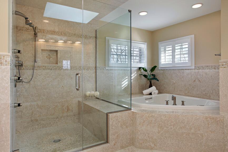 Бежевый или песочный - еще один популярный цвет ванной комнаты