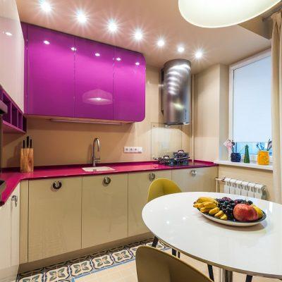 Небольшая современная кухня 8.5 кв.м.