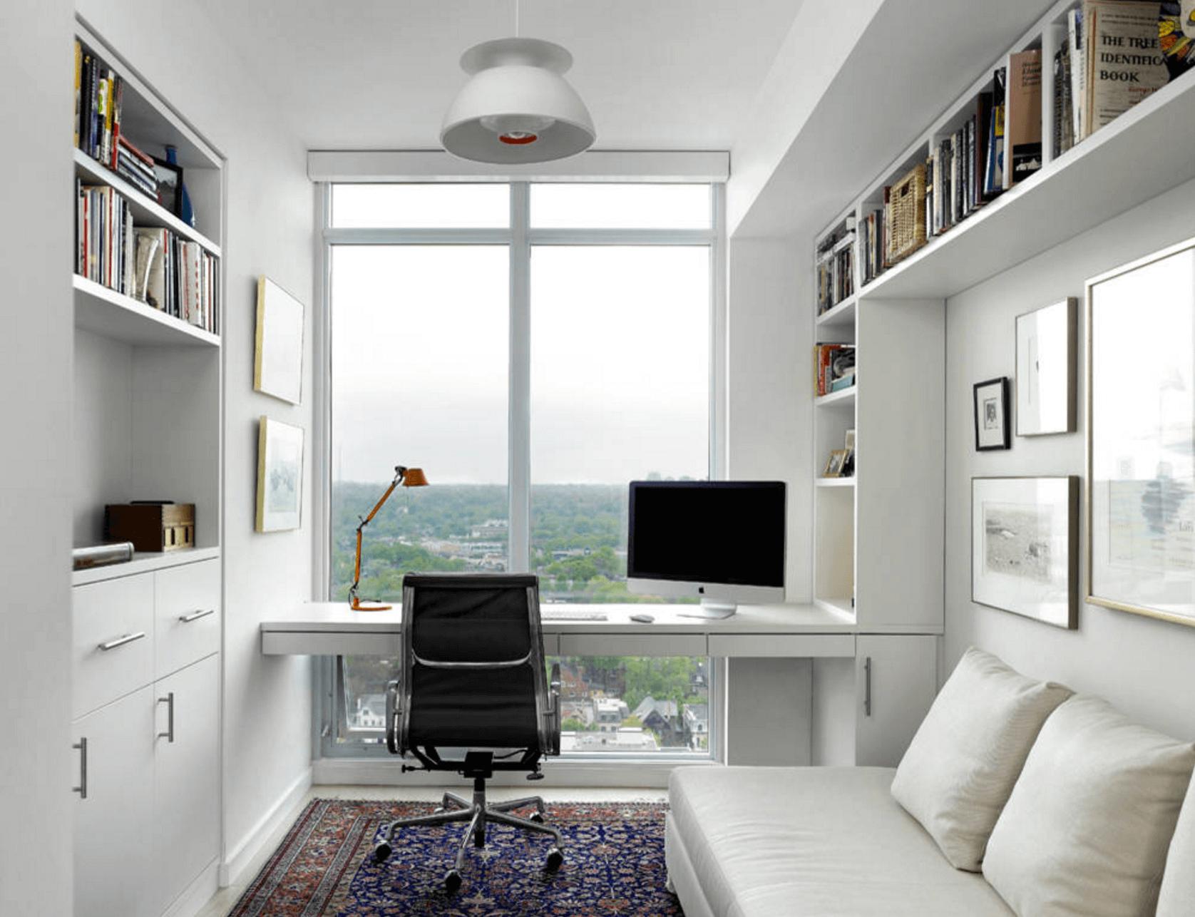 Офис с окном