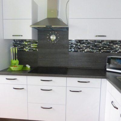Черно-белый варинат кухни