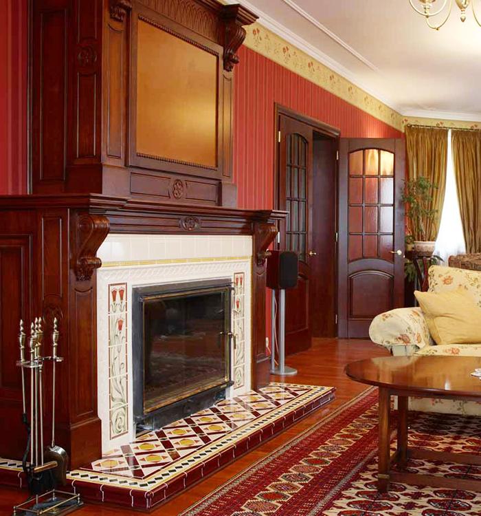 Английская гостиная в красных тонах