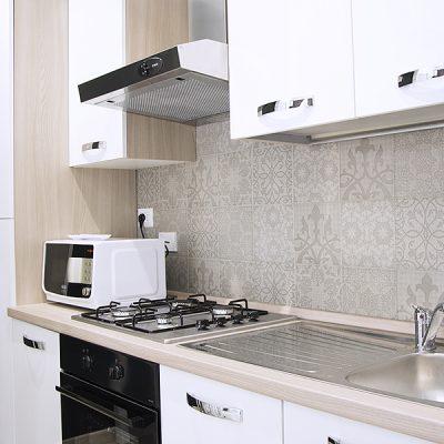 Белый гарнитур кухни