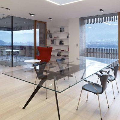 Преобладание стекла в интерьере хай-тека