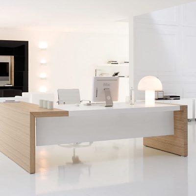 Стильый дизайн хай-тека в светлых оттенках