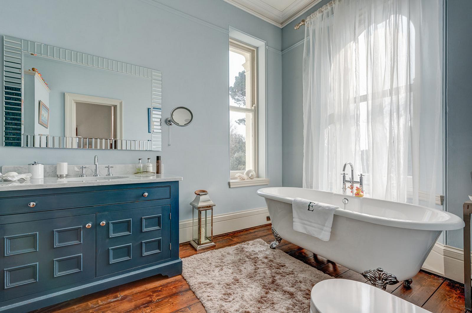Мебель в ванную в классическом стиле
