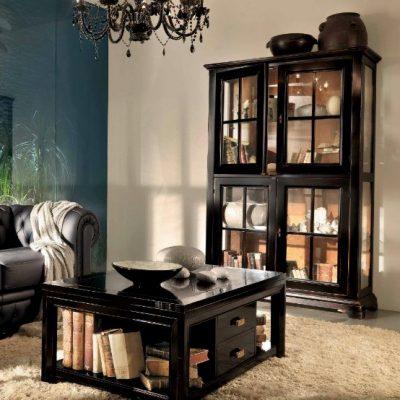Шкаф и столик