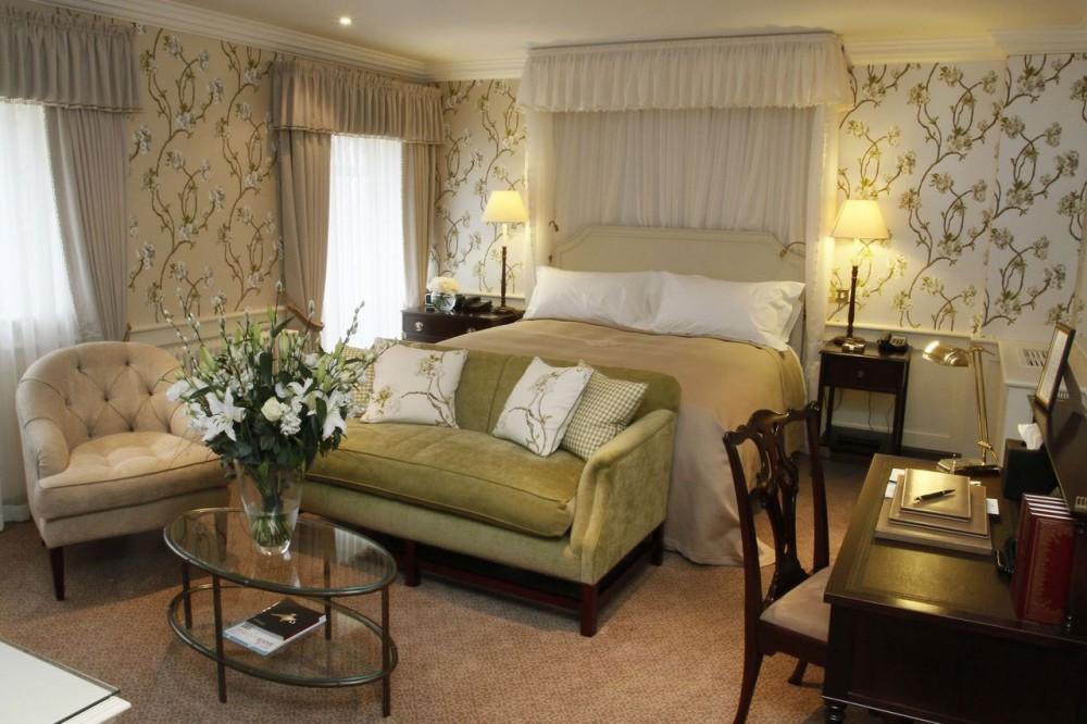 Спальня в английском стиле интерьера