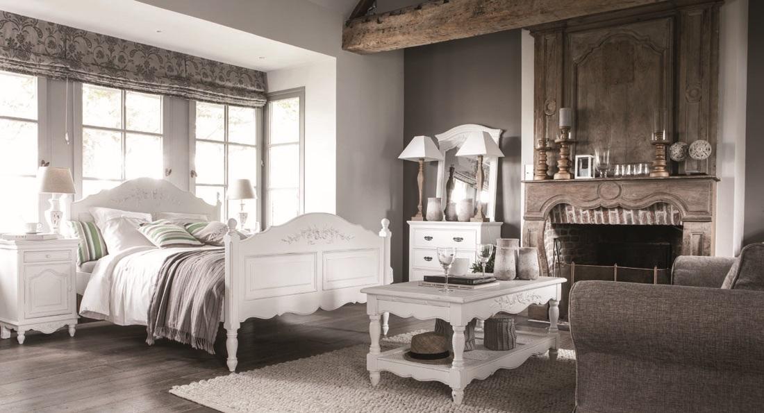 Уютная спальня с дизайном в стиле прованс