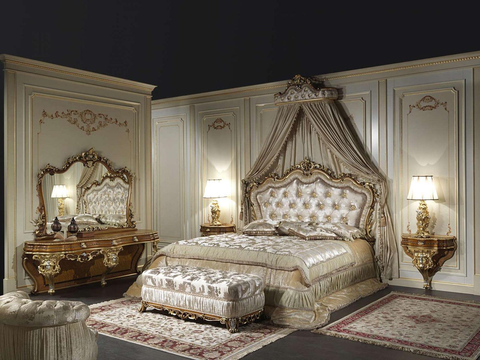 Попав в спальню в стиле барокко, Вы сразу окунетесь в атмосферу XVIII века