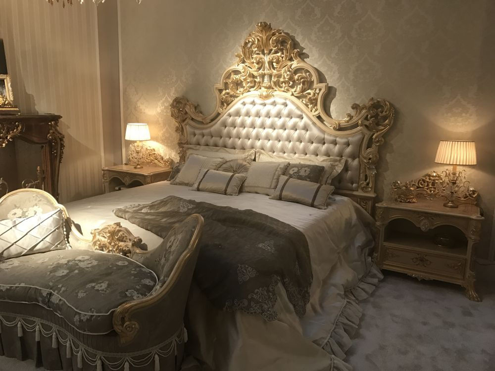 Мягкое освещение создаст в комнате атмосферу спокойствия и уюта
