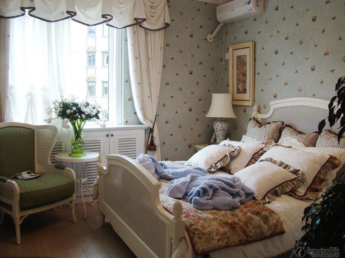 В небольшой комнате стиль кантри будет смотреться особенно уместно