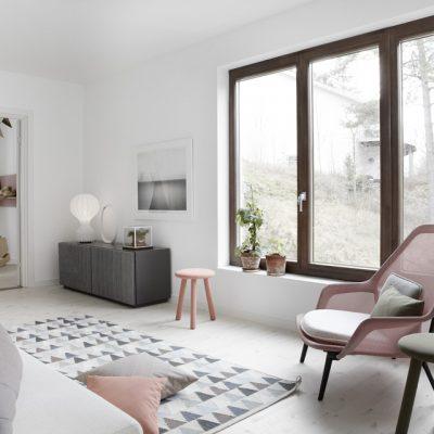 Большие окна в скандинавском стиле