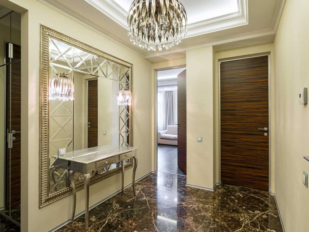 Светлая комната в коридоре