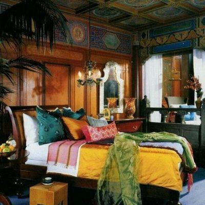 Яркая спальня в восточном стиле