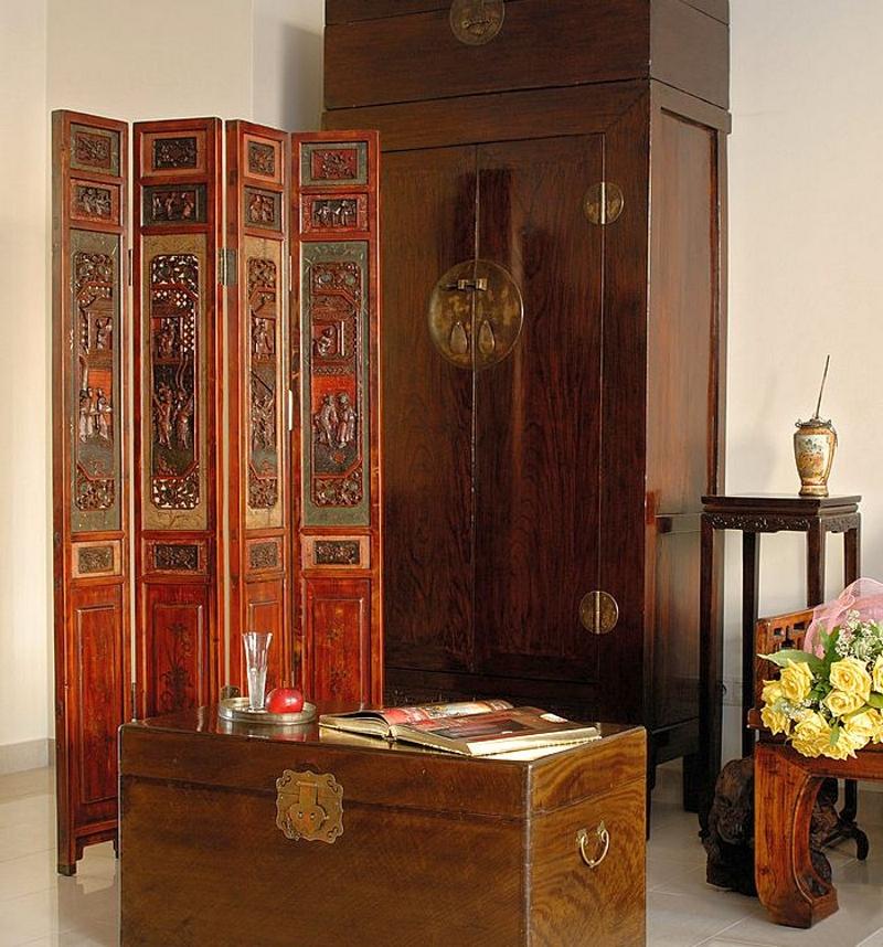Сундук и ширма в восточном стиле