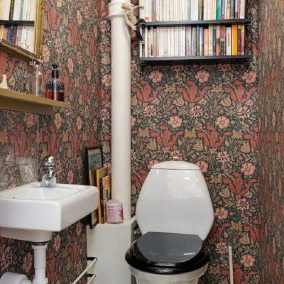 Интерьер туалетной зоны в стиле ретро