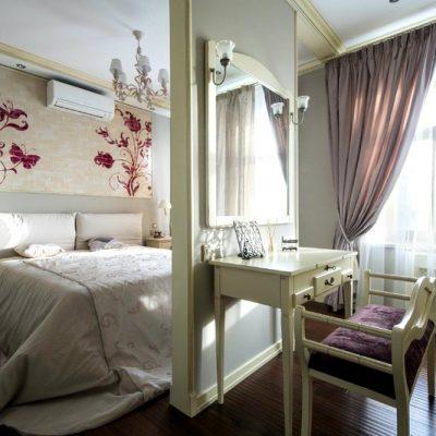 Как правильно разместить зеркало в спальне
