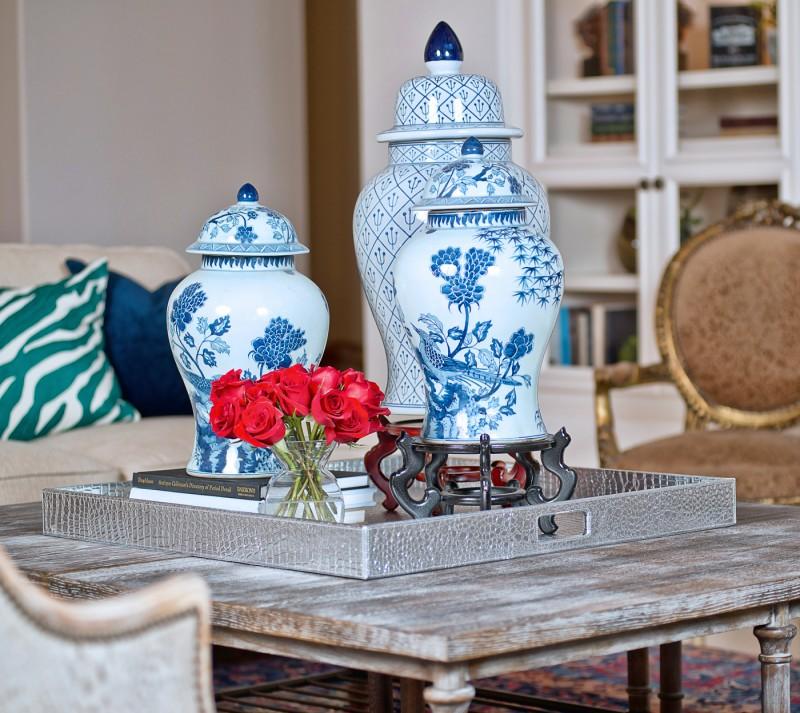 Китайские традиционные вазы - один из любимых предметов декора многих дизайнеров