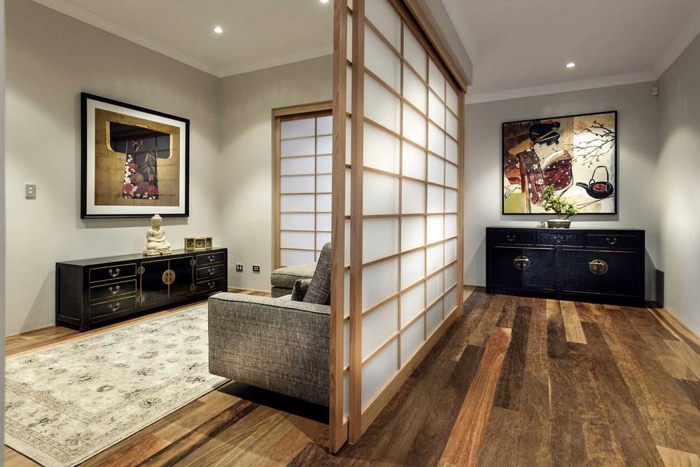 Раздвижные перегородки традиционно используются для зонирования помещения