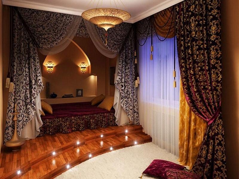 Кровать–шатёр в арабской спальне