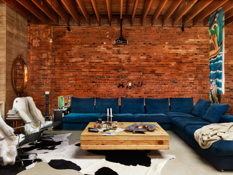 Кирпичные стены - классика лофт интерьера