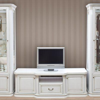 Белый набор мебели