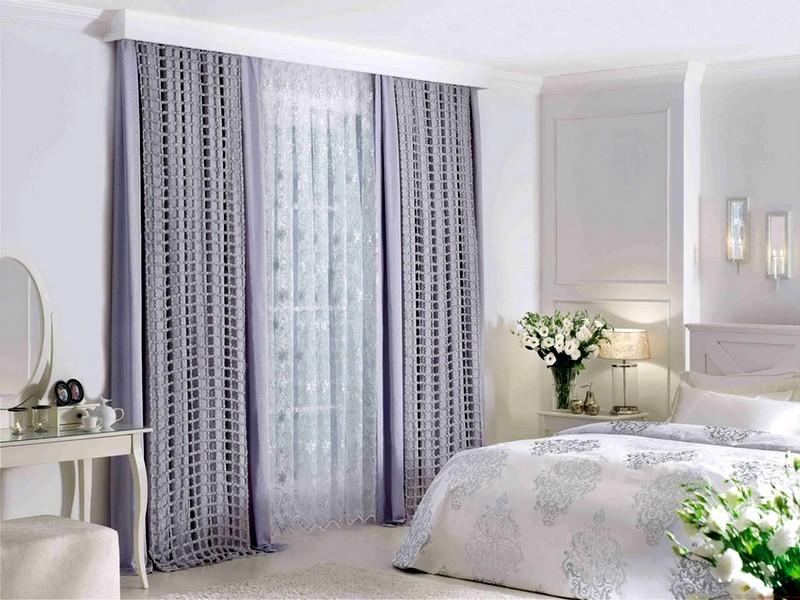 Необычный дизайн штор в спальне