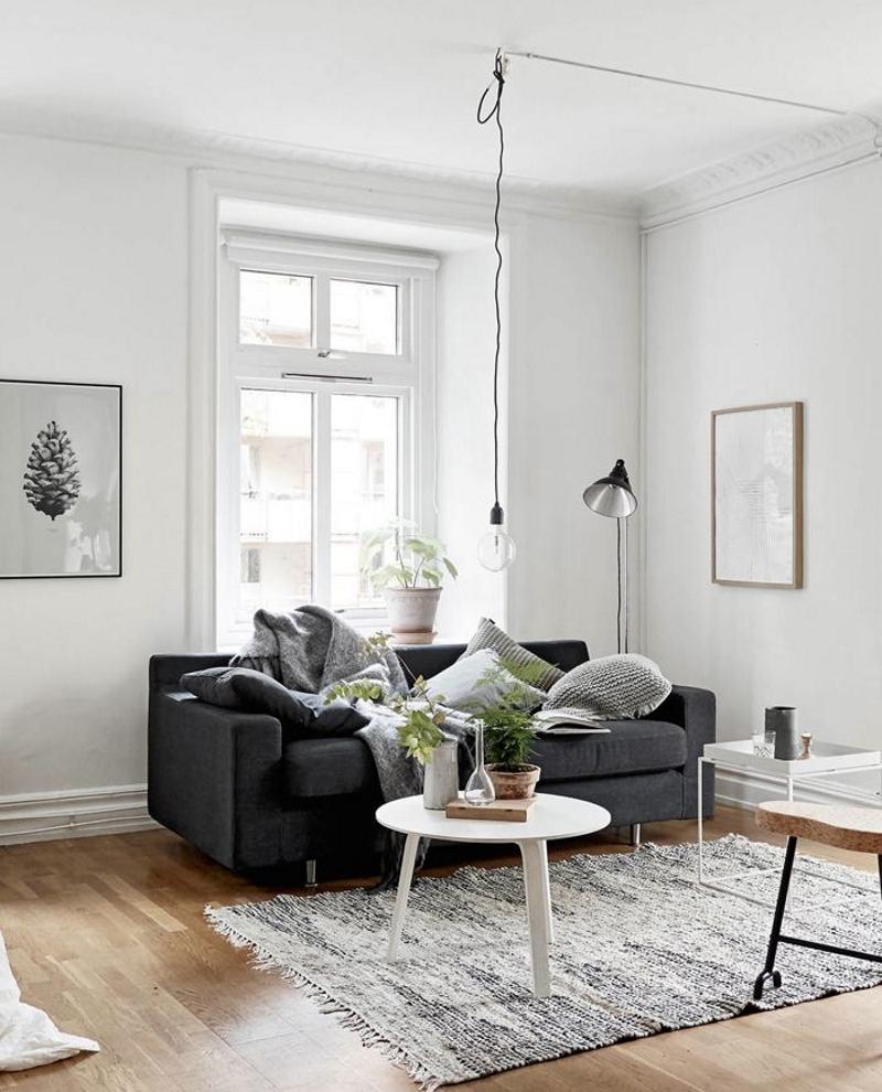 Окна без занавесок в скандинавском стиле