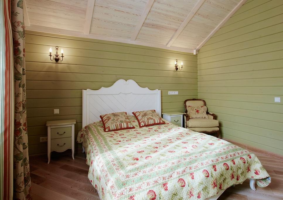 Окраска деревянных стен в деревенском стиле