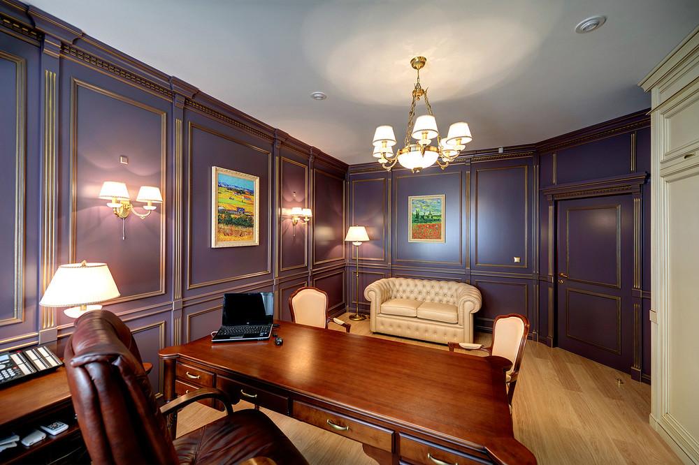 Панели с резьбой в кабинете в английском стиле