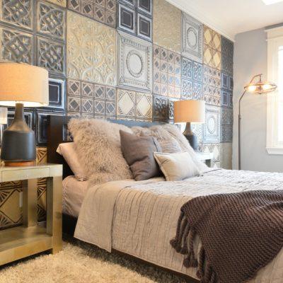 Плитка пэчворк в спальне на стене