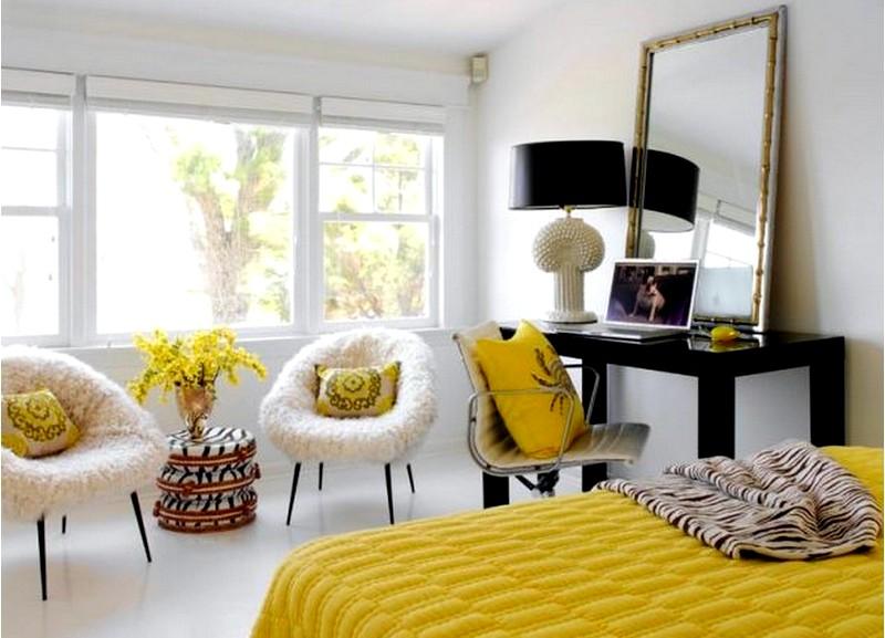 Правильное размещение зеркала в спальне