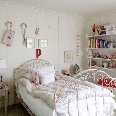 Отделка детской в стиле прованс деревянными панелями