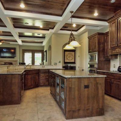 Оригинальное оформление потолка кухни