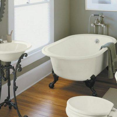 Сантехника в ванной в стиле ретро