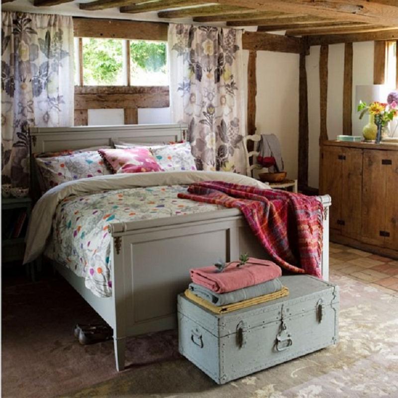 Деревенский уют в спальне в стиле прованс