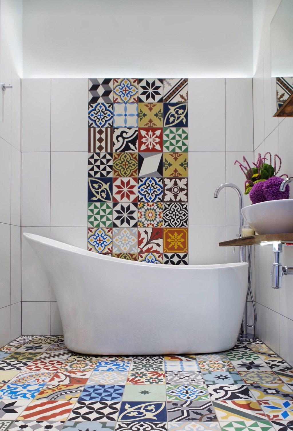 Оформление стен и пола в ванной в стиле пэчворк
