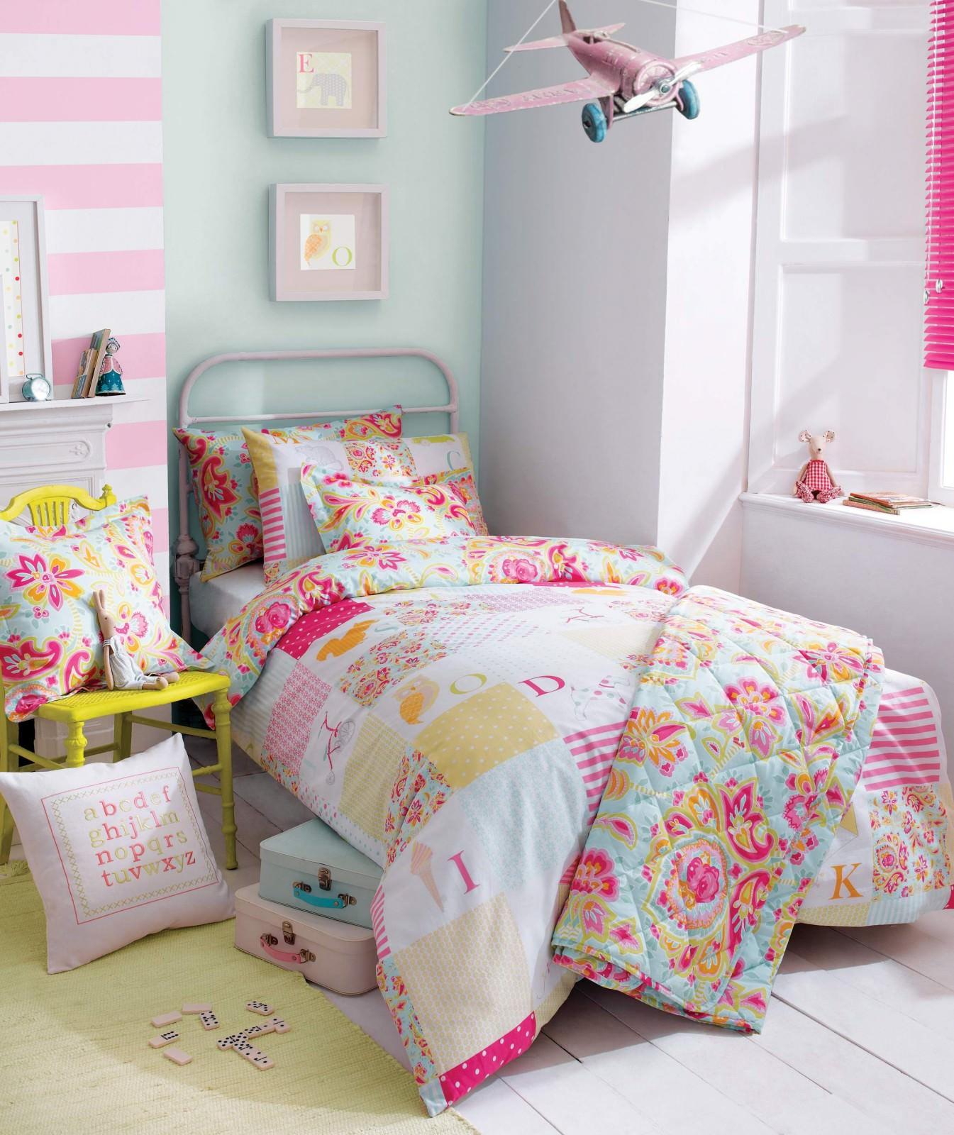 Одеяло в стиле пэсворк для детской в стиле прованс