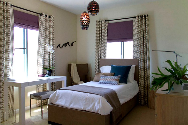 стильные шторы в интерьере спальни