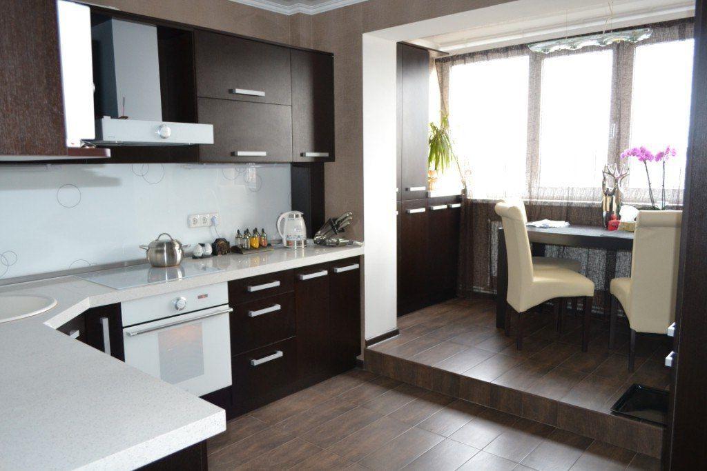Расширение кухни за счёт объединения с балконом
