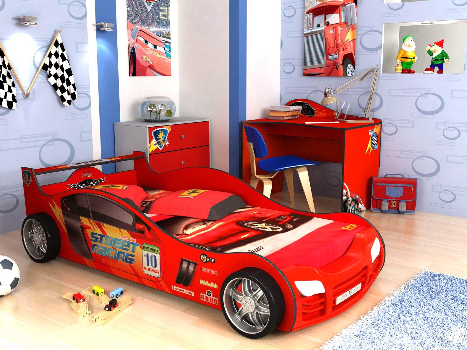 Кровать-машина в детской