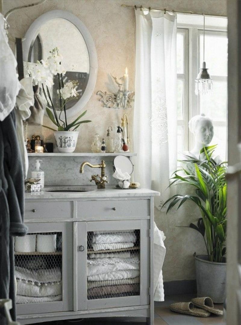 Тёплое освещение в стиле ретро в ванной