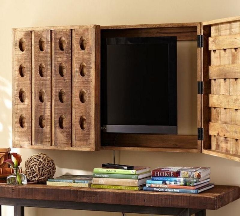 Телевизор в шкафу в стиле кантри